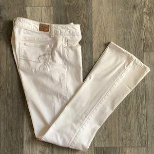 American Eagle 8 LONG skinny kick white jeans